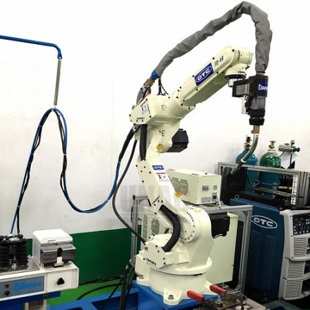 FD-V6-WBP500L Arc Welding Robot with Synchro-feed set